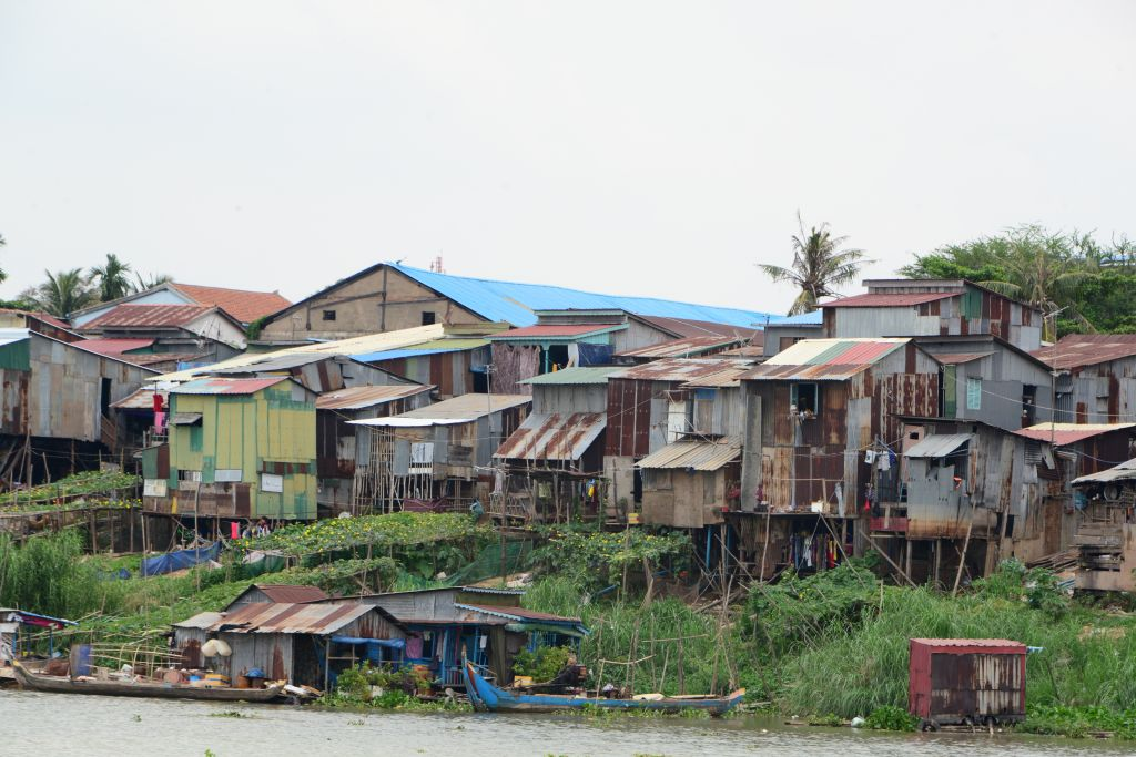 カンボジア】プノンペン-タクマ...